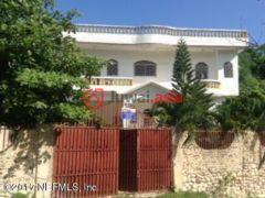 海地4卧3卫的房产