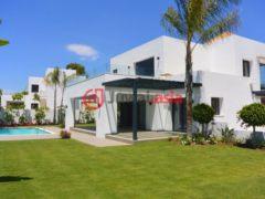 居外网在售西班牙4卧4卫的新建房产总占地1250平方米