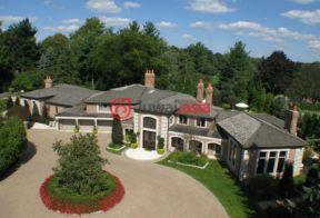 居外网在售美国5卧7卫最近整修过的房产总占地8086平方米USD 3,499,000