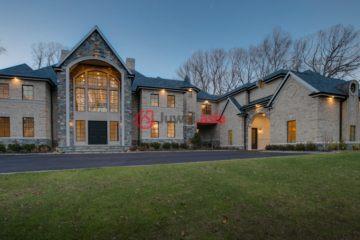 居外网在售美国7卧8卫新房的房产总占地1115平方米USD 6,880,000