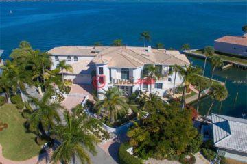 居外网在售美国4卧6卫原装保留的房产总占地2057平方米USD 3,950,000