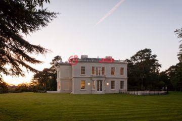 英国房产房价_英格兰房产房价_萨里希思房产房价_居外网在售英国萨里希思特别设计建筑的房产总占地6000平方米