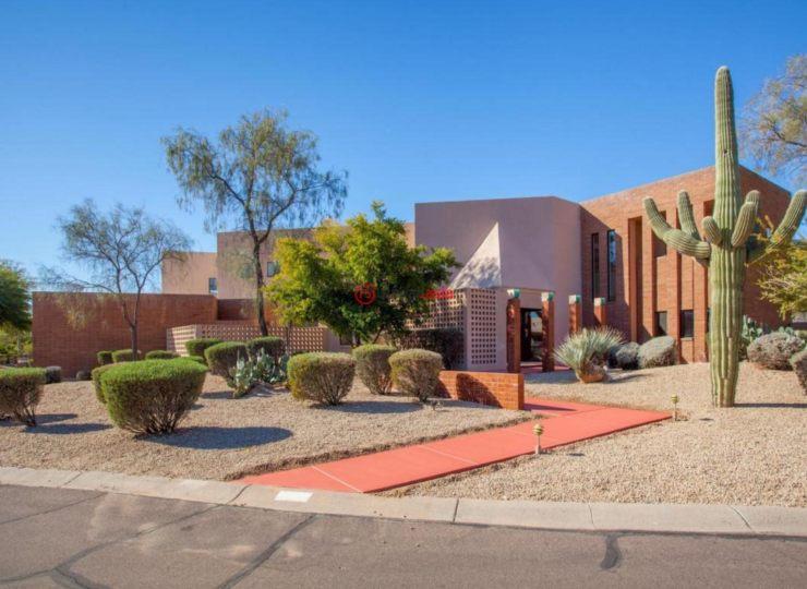 美国亚利桑那州凤凰城5卧6卫的房产