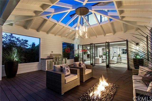 美国加州新港海滩的房产,2025 Port Cardiff Place,编号35567803